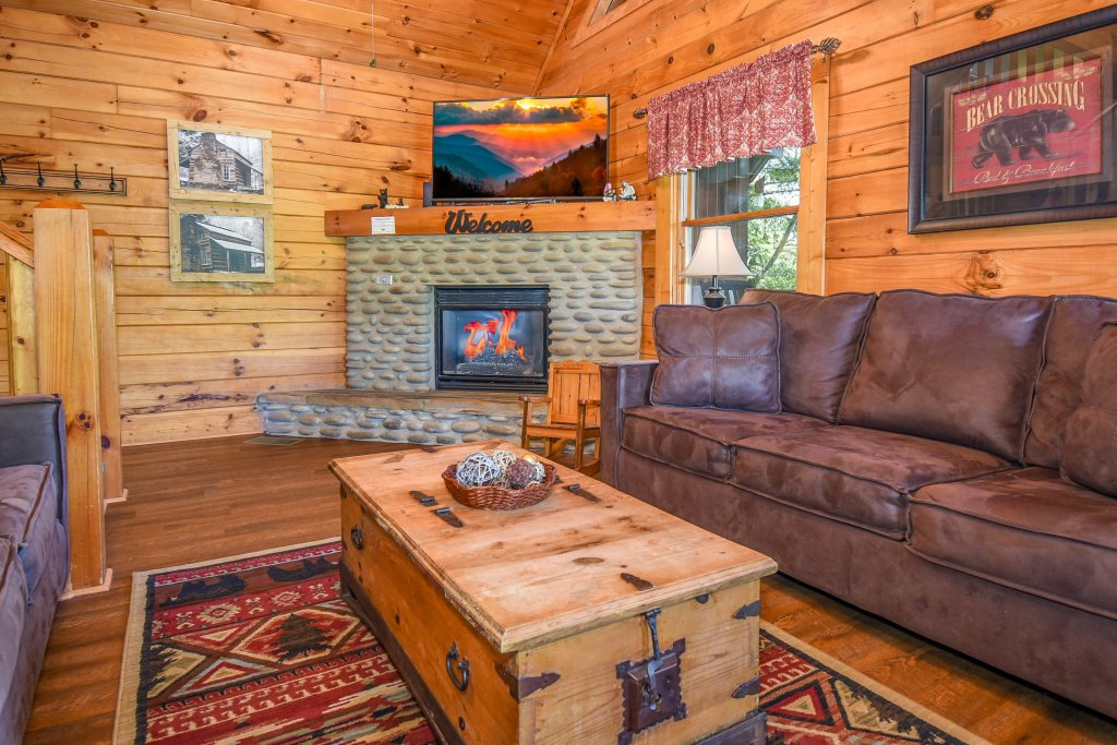 Photo of a Gatlinburg Cabin named Hibernation Station - This is the fifty-fifth photo in the set.