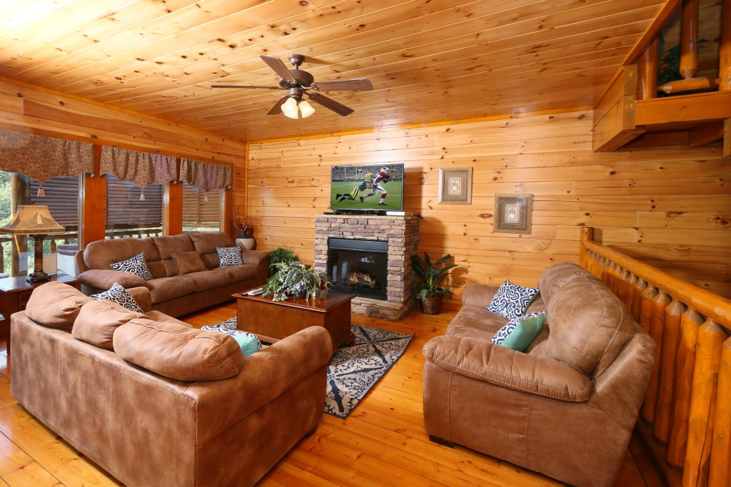 Photo of a Sevierville Cabin named Family Valley Lodge - This is the fourth photo in the set.