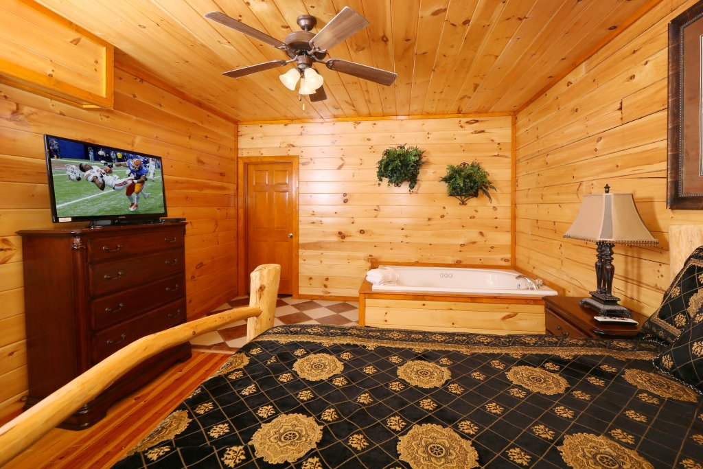 Photo of a Sevierville Cabin named Family Valley Lodge - This is the sixteenth photo in the set.