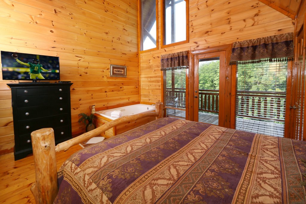 Photo of a Sevierville Cabin named Family Valley Lodge - This is the twelfth photo in the set.