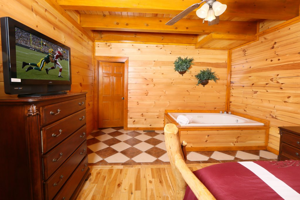 Photo of a Sevierville Cabin named Family Valley Lodge - This is the twentieth photo in the set.