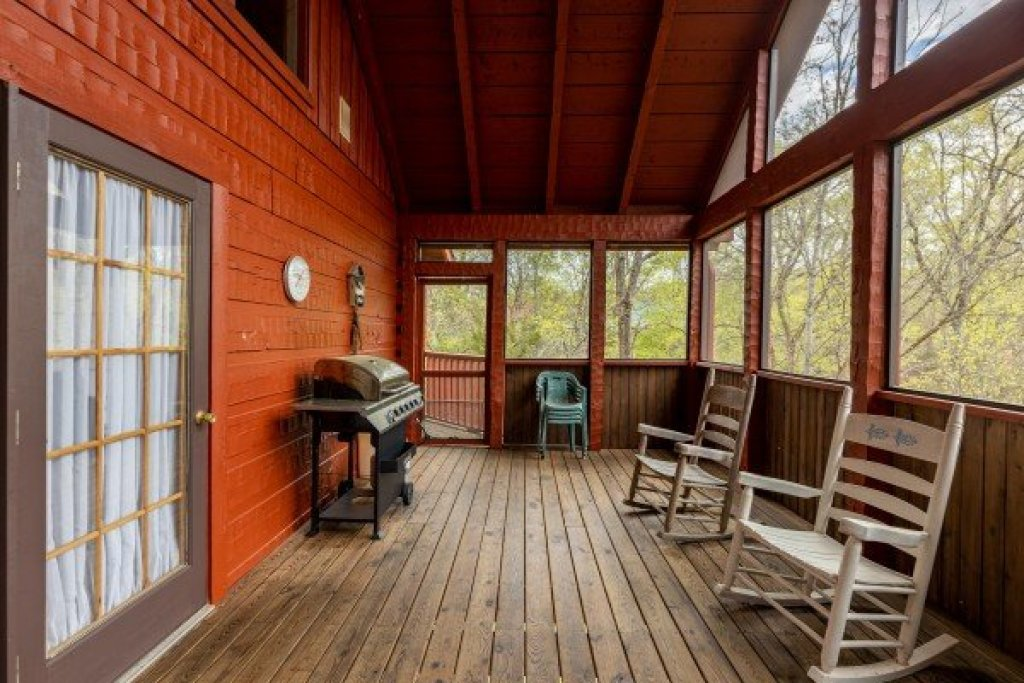 Photo of a Sevierville Cabin named Almost Heaven - This is the twenty-first photo in the set.