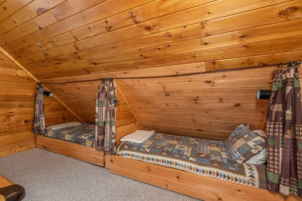 Photo of a Sevierville Cabin named Eagle's Bluff - This is the twenty-third photo in the set.