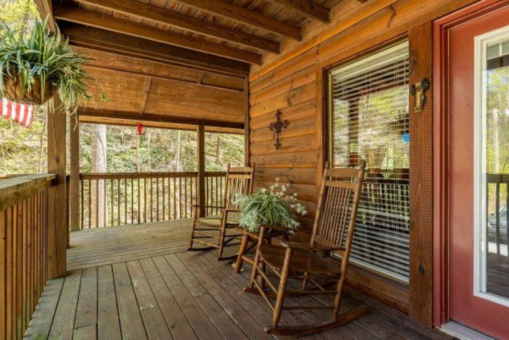 Photo of a Gatlinburg Cabin named Hidden Joy - This is the ninth photo in the set.