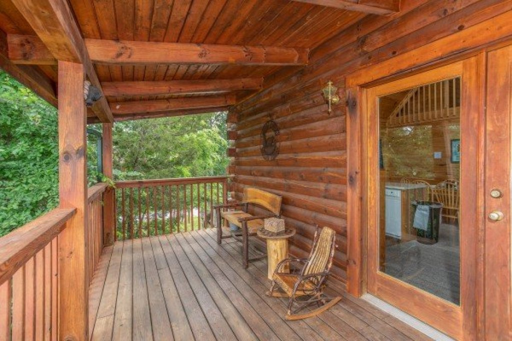 Photo of a Sevierville Cabin named Eagle's Bluff - This is the seventeenth photo in the set.