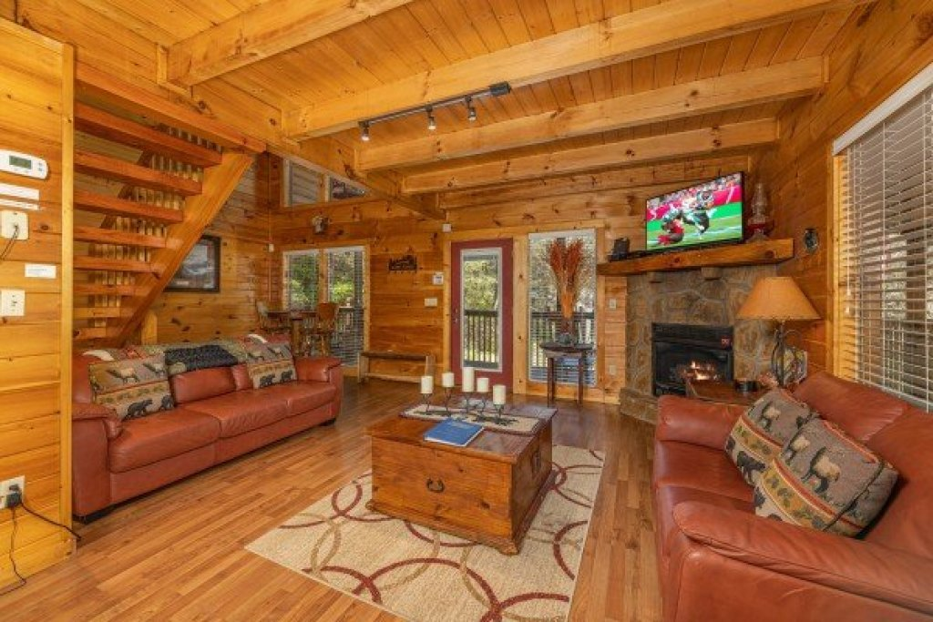Photo of a Gatlinburg Cabin named Hidden Joy - This is the third photo in the set.