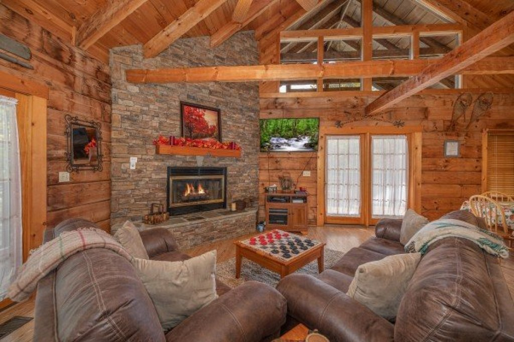 Photo of a Sevierville Cabin named Almost Heaven - This is the third photo in the set.