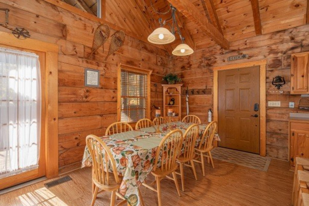 Photo of a Sevierville Cabin named Almost Heaven - This is the fifth photo in the set.