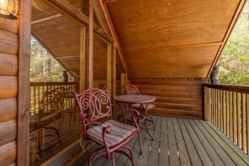 Photo of a Gatlinburg Cabin named Hidden Joy - This is the eighteenth photo in the set.