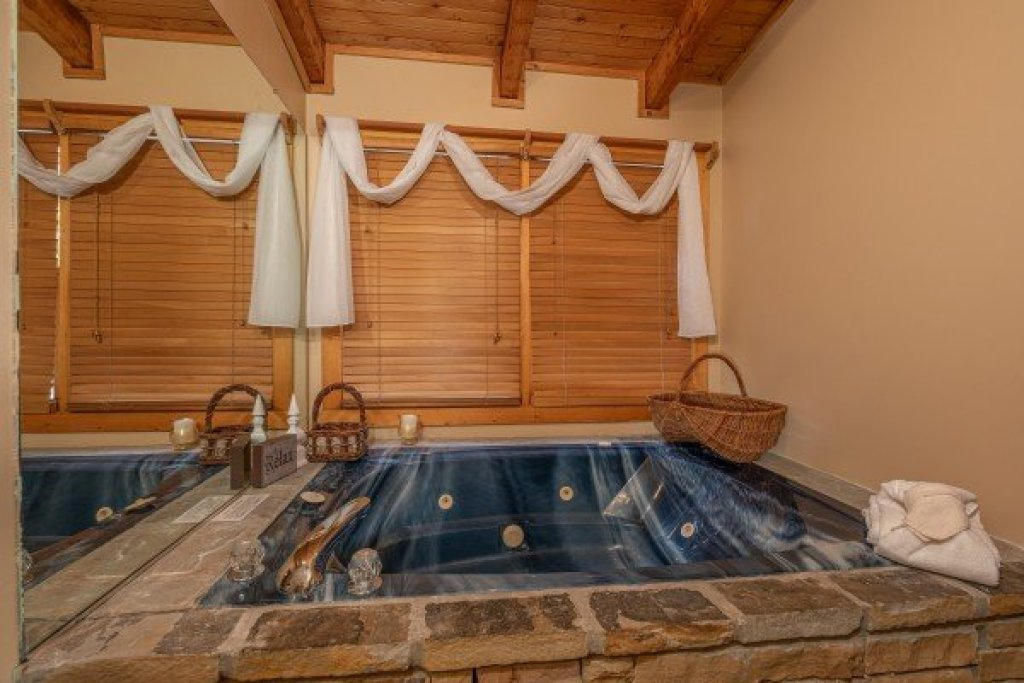 Photo of a Sevierville Cabin named Almost Heaven - This is the sixteenth photo in the set.