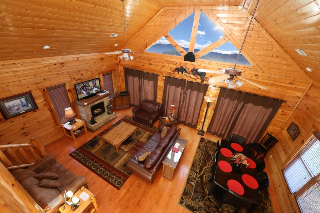 Photo of a Sevierville Cabin named Bear-a-dise In The Smokies - This is the fifth photo in the set.