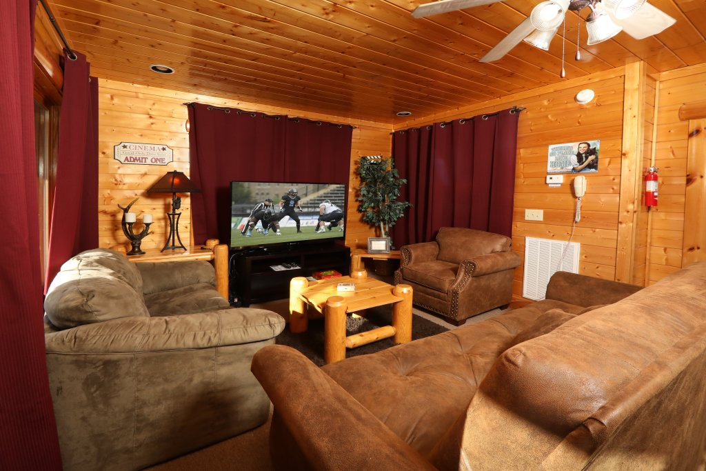 Photo of a Sevierville Cabin named Bear-a-dise In The Smokies - This is the seventeenth photo in the set.