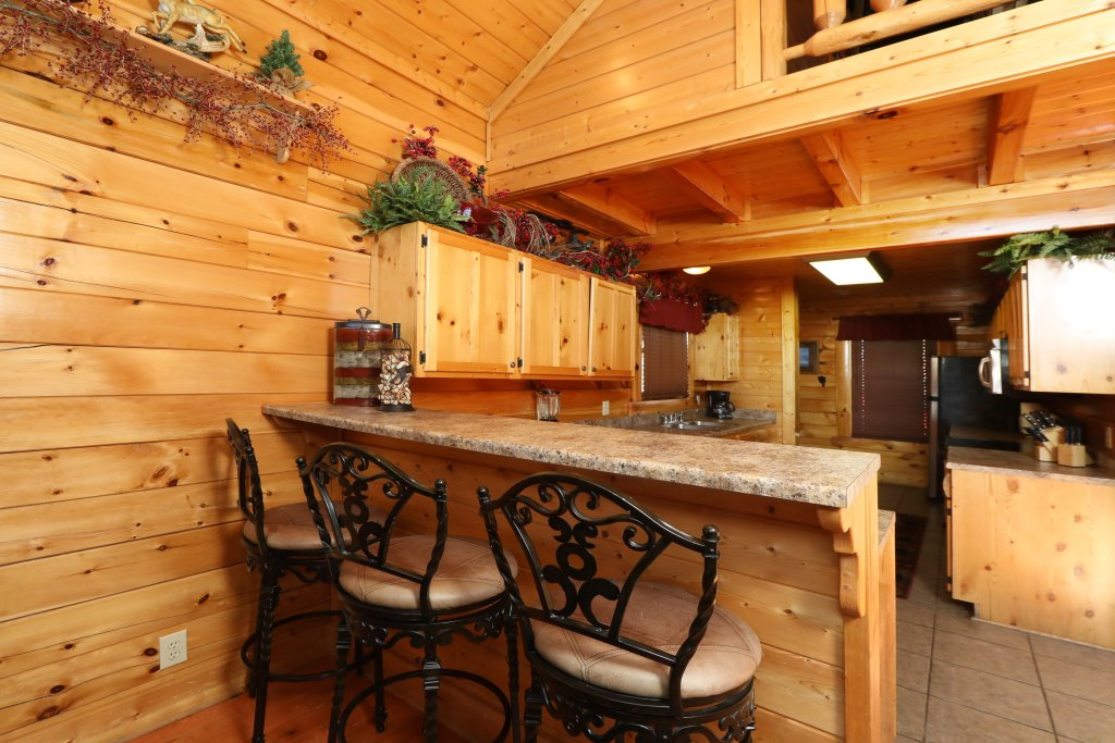 Photo of a Sevierville Cabin named Bear-a-dise In The Smokies - This is the twenty-first photo in the set.