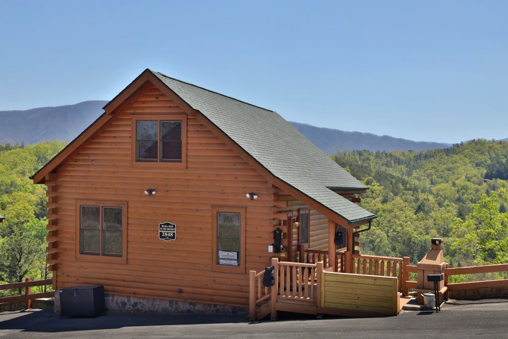 Photo of a Sevierville Cabin named Bear-a-dise In The Smokies - This is the thirty-eighth photo in the set.
