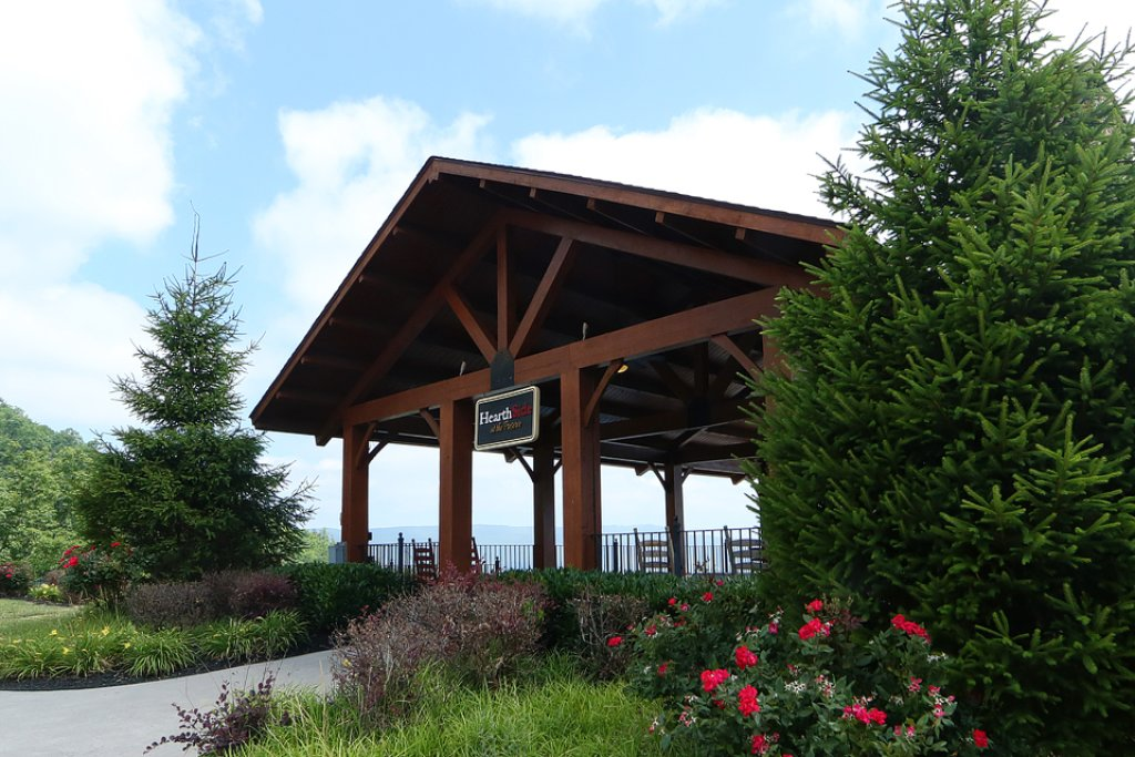 Photo of a Sevierville Cabin named Bear-a-dise In The Smokies - This is the forty-fourth photo in the set.