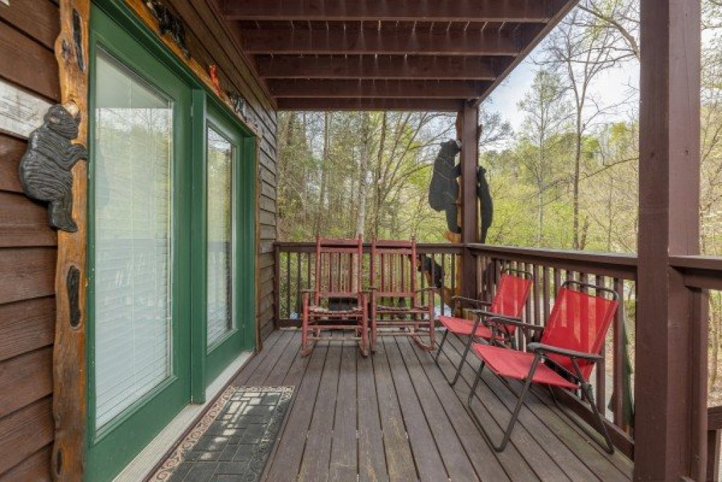 Photo of a Sevierville Cabin named Hidden Pines - This is the twenty-second photo in the set.