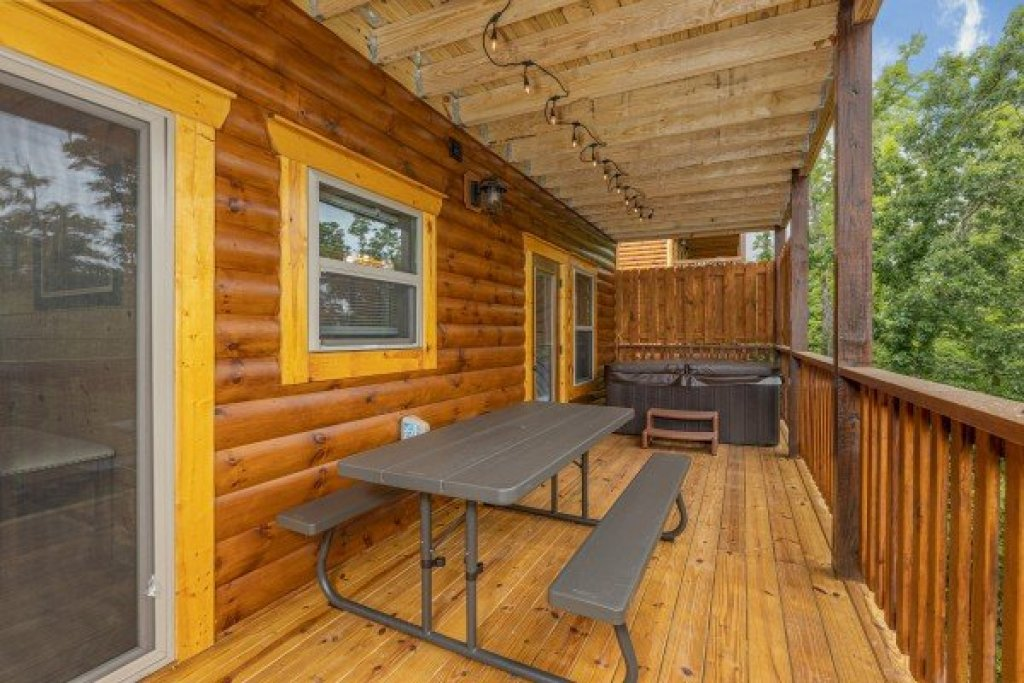 Photo of a Pigeon Forge Cabin named Alpine Adventure - This is the fourth photo in the set.