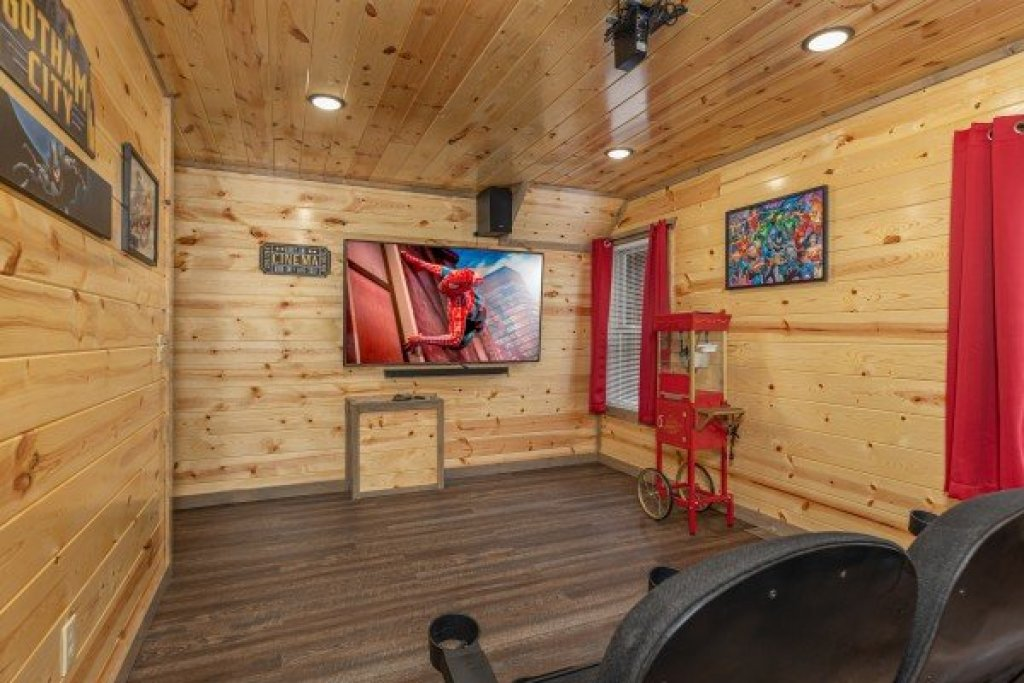 Photo of a Pigeon Forge Cabin named Alpine Adventure - This is the seventh photo in the set.