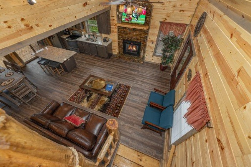 Photo of a Pigeon Forge Cabin named Alpine Adventure - This is the eighth photo in the set.