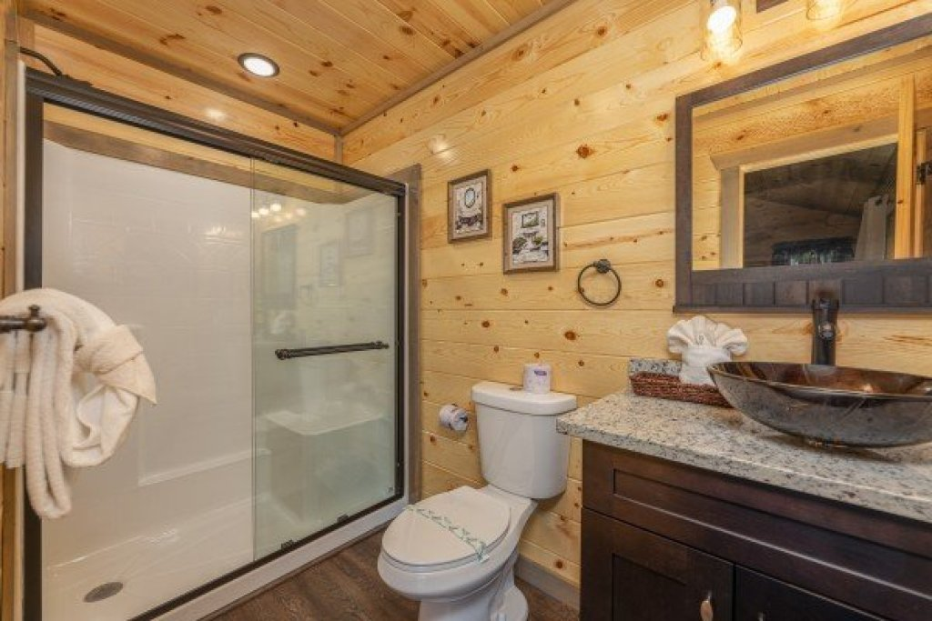 Photo of a Pigeon Forge Cabin named Alpine Adventure - This is the fifteenth photo in the set.
