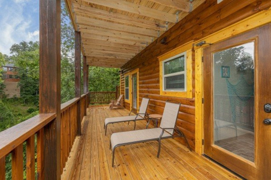 Photo of a Pigeon Forge Cabin named Alpine Adventure - This is the twenty-first photo in the set.