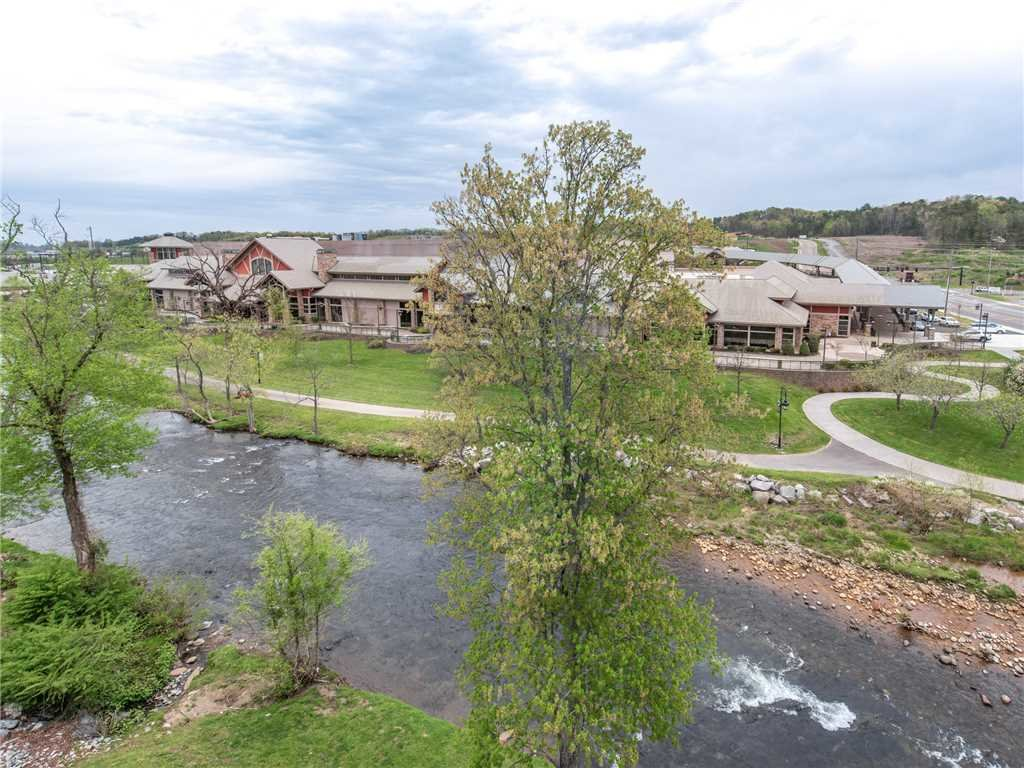 Photo of a Pigeon Forge Condo named Creekside Delight Bear Crossing 401 - This is the nineteenth photo in the set.