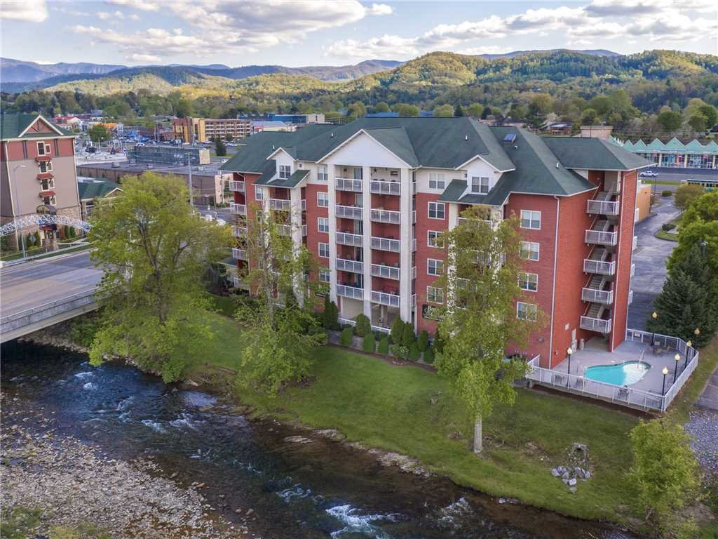 Photo of a Pigeon Forge Condo named Creekside Delight Bear Crossing 401 - This is the twentieth photo in the set.
