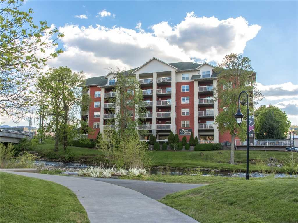 Photo of a Pigeon Forge Condo named Creekside Delight Bear Crossing 401 - This is the twenty-fourth photo in the set.