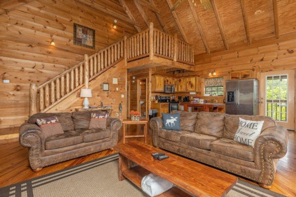Photo of a Sevierville Cabin named Auburn Sky - This is the fifth photo in the set.