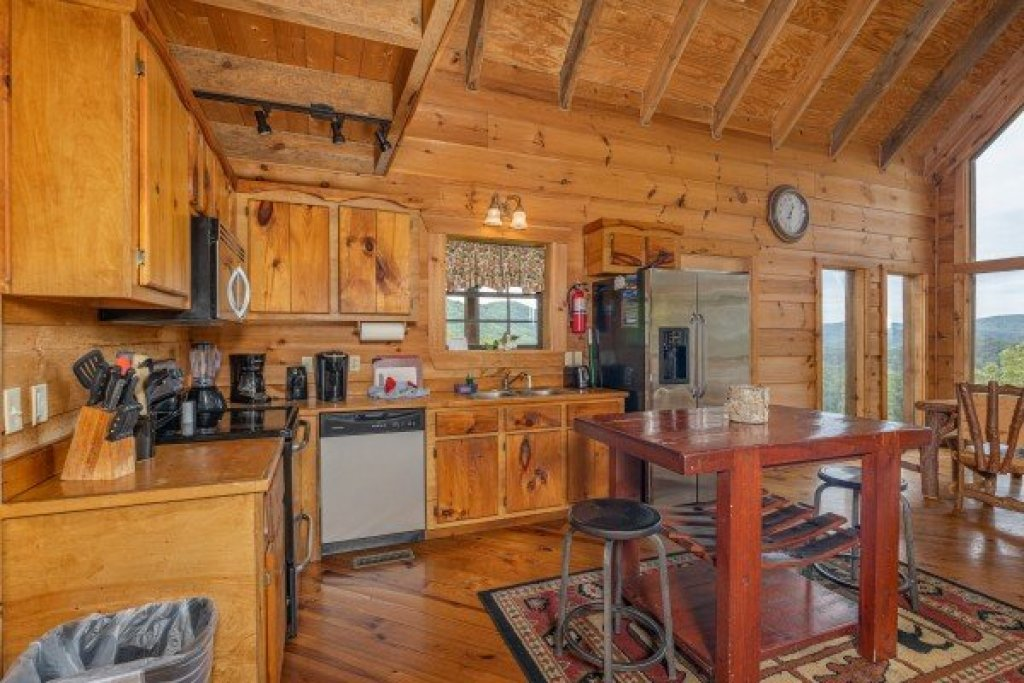Photo of a Sevierville Cabin named Auburn Sky - This is the sixth photo in the set.