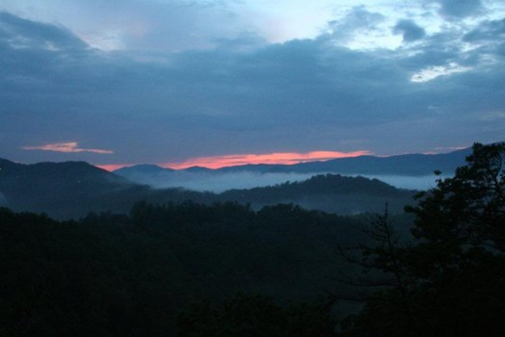 Photo of a Sevierville Cabin named Auburn Sky - This is the twenty-fifth photo in the set.
