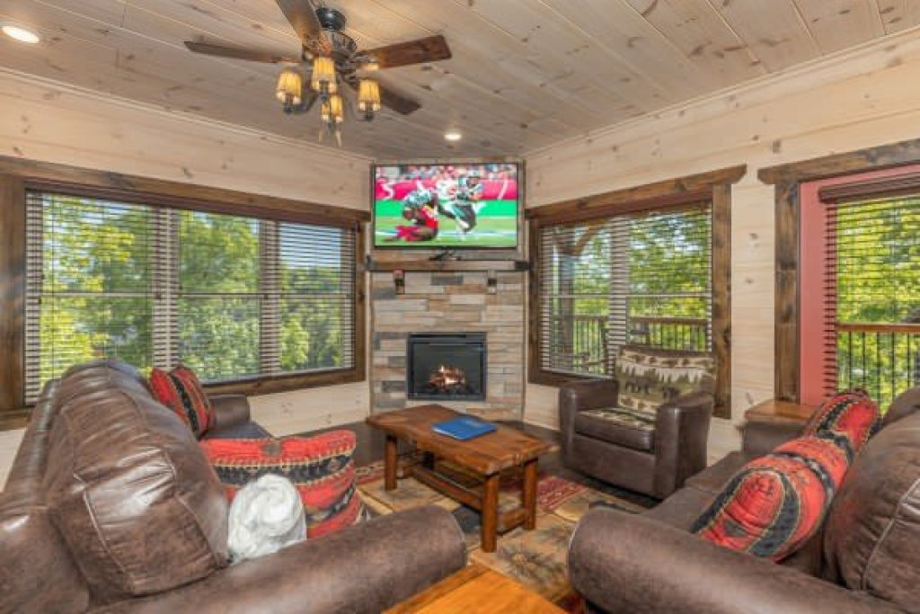 Photo of a Pigeon Forge Cabin named Smoky Mountain Chalet - This is the first photo in the set.