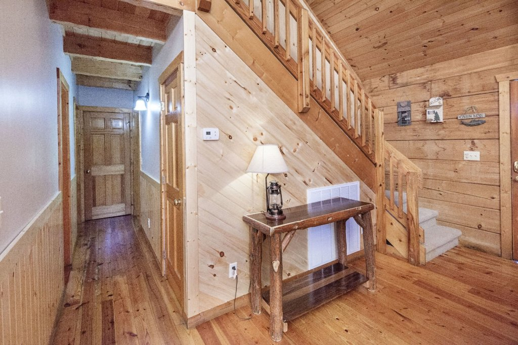 Photo of a Pigeon Forge Cabin named  Best Of Both Worlds - This is the thirtieth photo in the set.