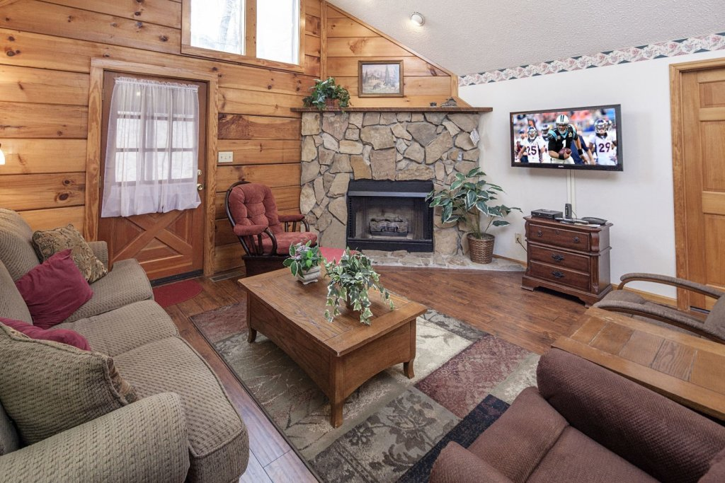 Photo of a Pigeon Forge Cabin named  Cherith Brook - This is the fourth photo in the set.