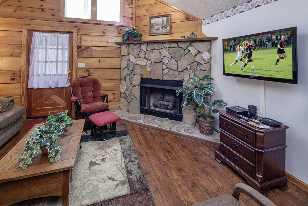 Photo of a Pigeon Forge Cabin named  Cherith Brook - This is the third photo in the set.