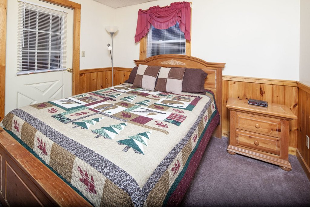 Photo of a Pigeon Forge Cabin named  Ganma's Getaway - This is the sixteenth photo in the set.