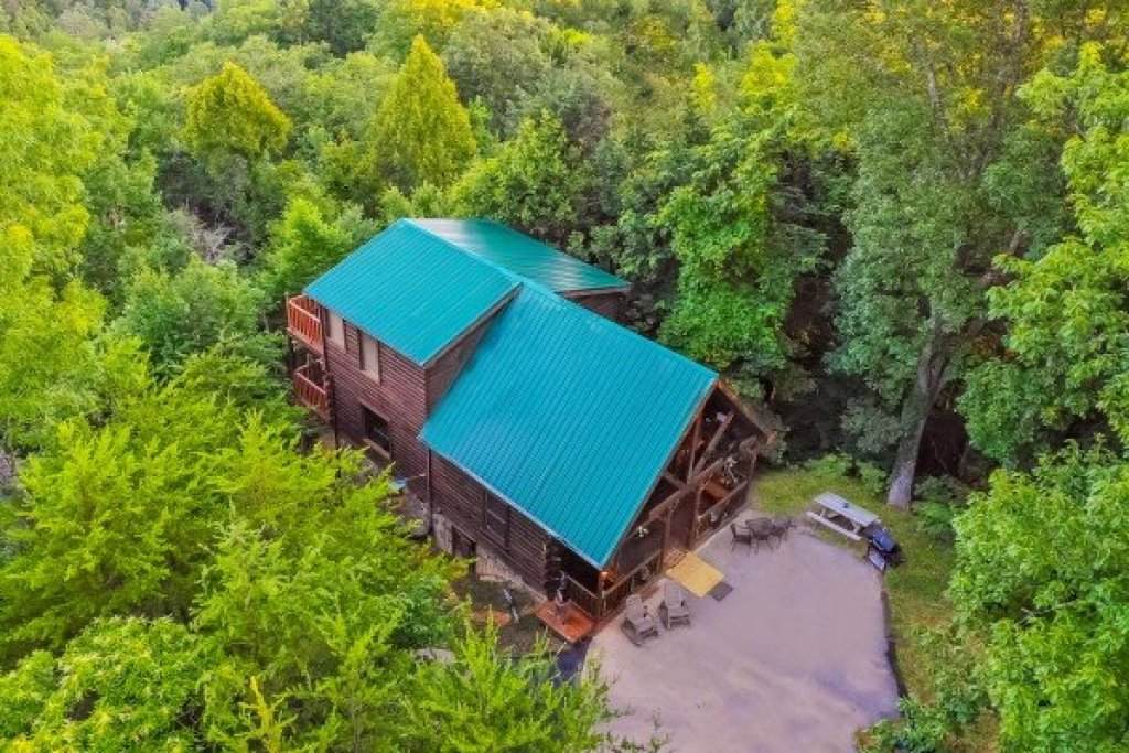 Photo of a Gatlinburg Cabin named Sweet Serenity - This is the third photo in the set.