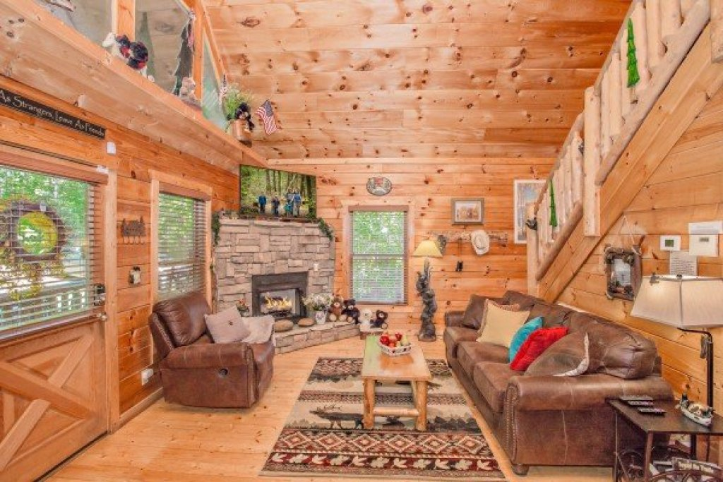 Photo of a Gatlinburg Cabin named Sweet Serenity - This is the tenth photo in the set.