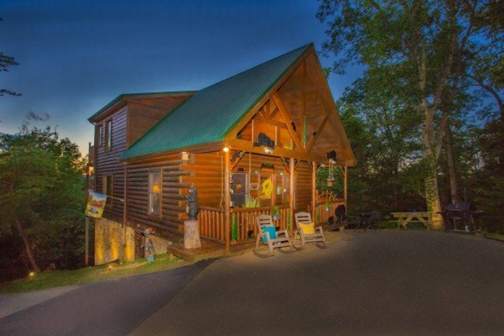 Photo of a Gatlinburg Cabin named Sweet Serenity - This is the twenty-eighth photo in the set.