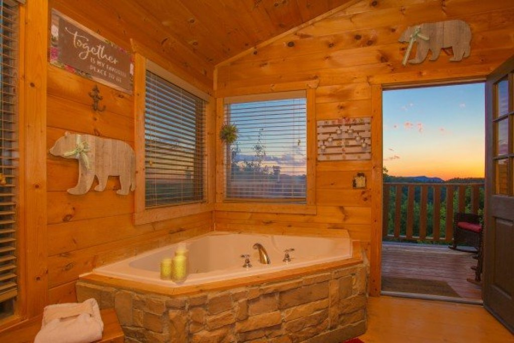 Photo of a Gatlinburg Cabin named Sweet Serenity - This is the fourteenth photo in the set.