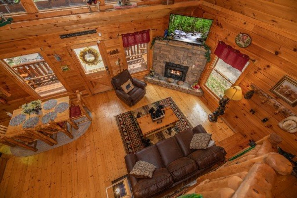 Photo of a Gatlinburg Cabin named Sweet Serenity - This is the twenty-third photo in the set.