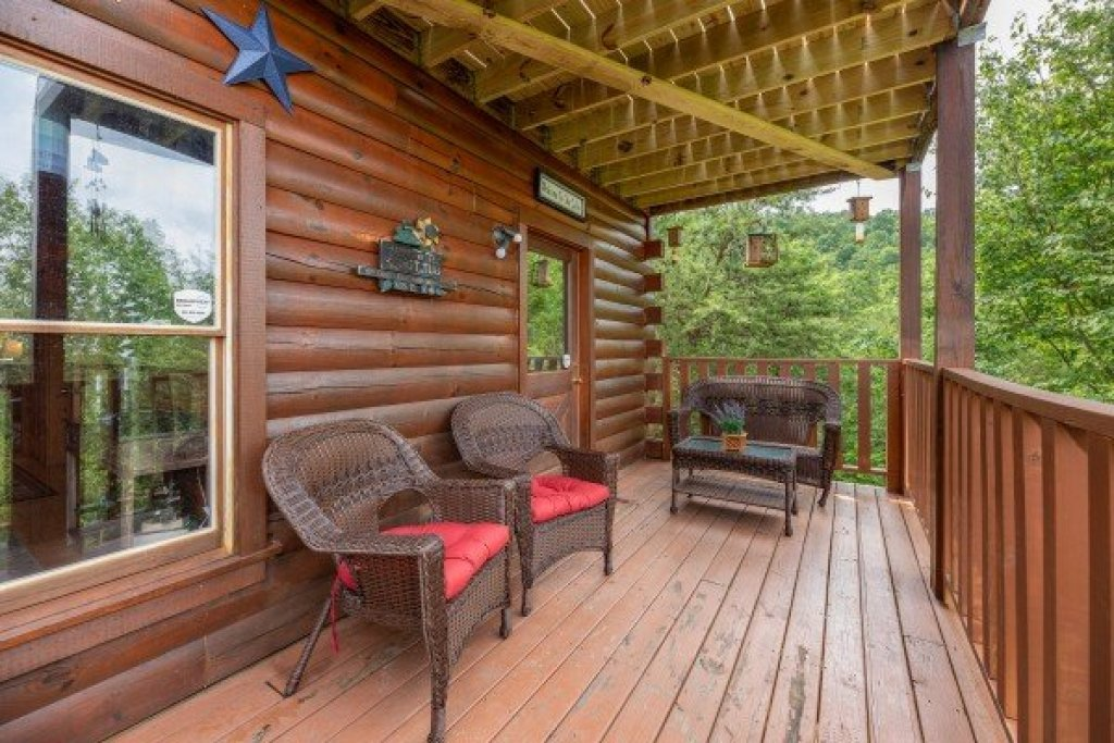 Photo of a Gatlinburg Cabin named Sweet Serenity - This is the thirtieth photo in the set.