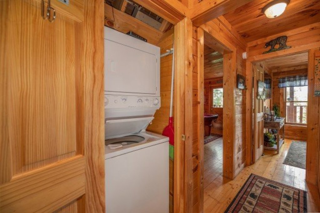 Photo of a Gatlinburg Cabin named Sweet Serenity - This is the twenty-fourth photo in the set.