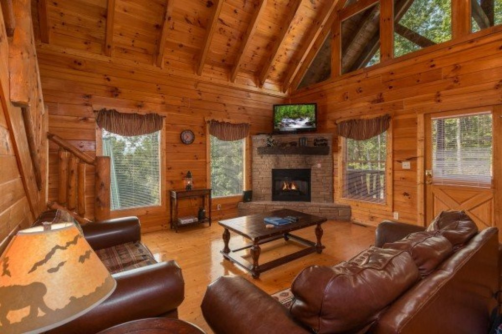 Photo of a Pigeon Forge Cabin named A Beautiful Memory - This is the third photo in the set.