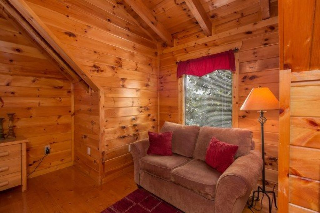 Photo of a Pigeon Forge Cabin named A Beautiful Memory - This is the fourteenth photo in the set.