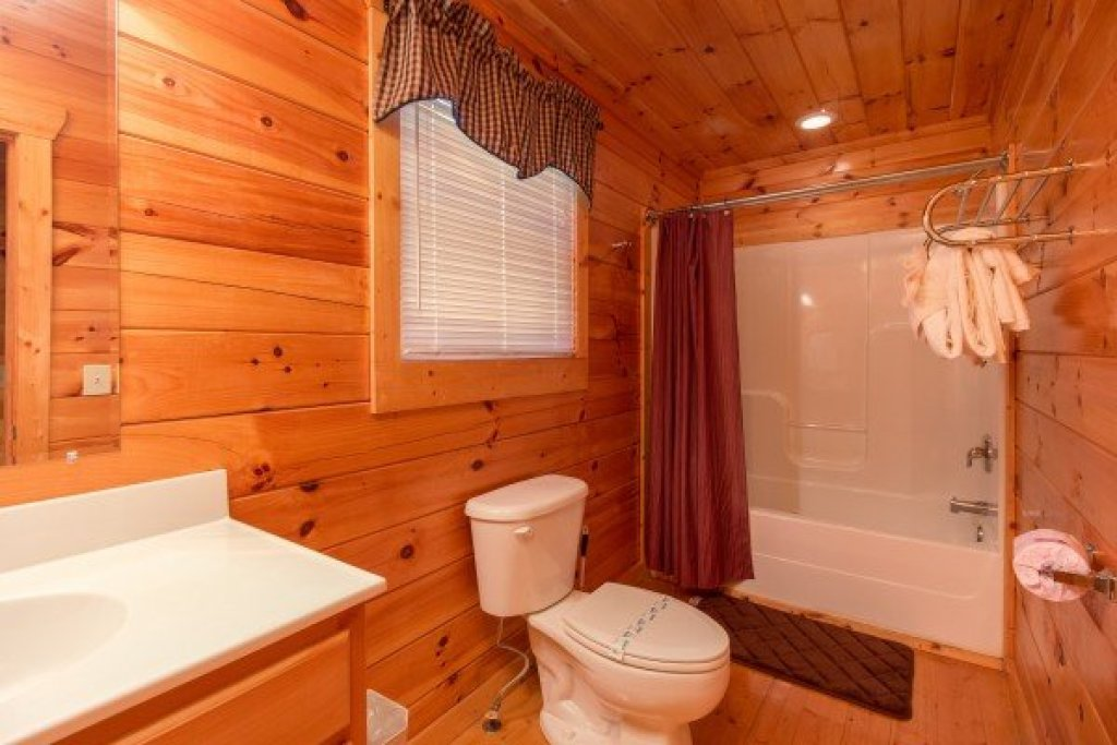 Photo of a Pigeon Forge Cabin named A Beautiful Memory - This is the tenth photo in the set.