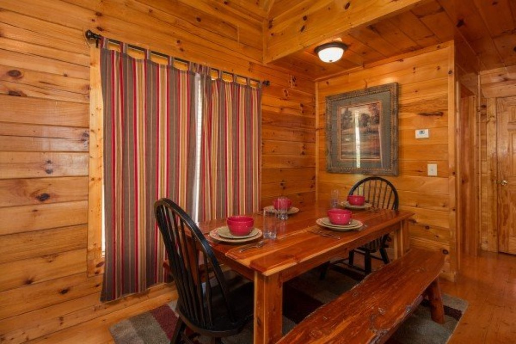 Photo of a Pigeon Forge Cabin named A Beautiful Memory - This is the fifth photo in the set.