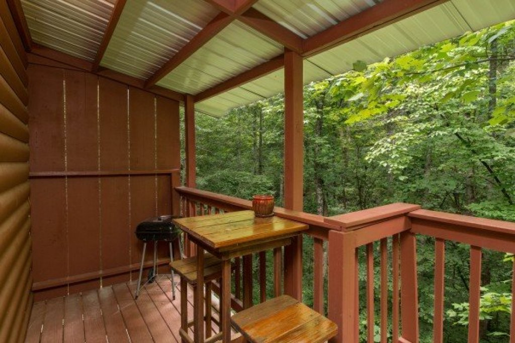 Photo of a Pigeon Forge Cabin named A Touch Of Heaven - This is the tenth photo in the set.
