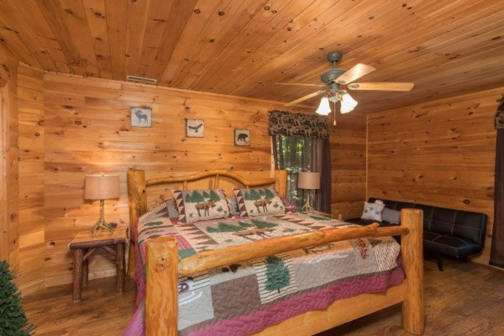 Photo of a Sevierville Cabin named Highland Moose - This is the tenth photo in the set.