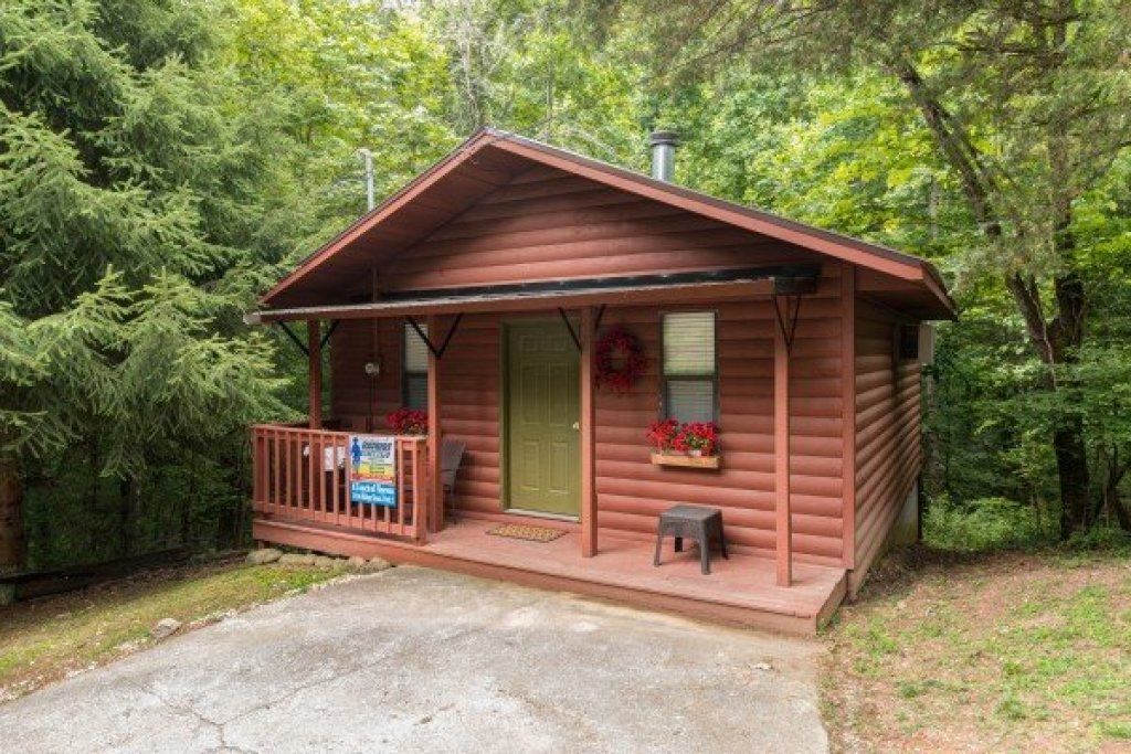 Photo of a Pigeon Forge Cabin named A Touch Of Heaven - This is the first photo in the set.